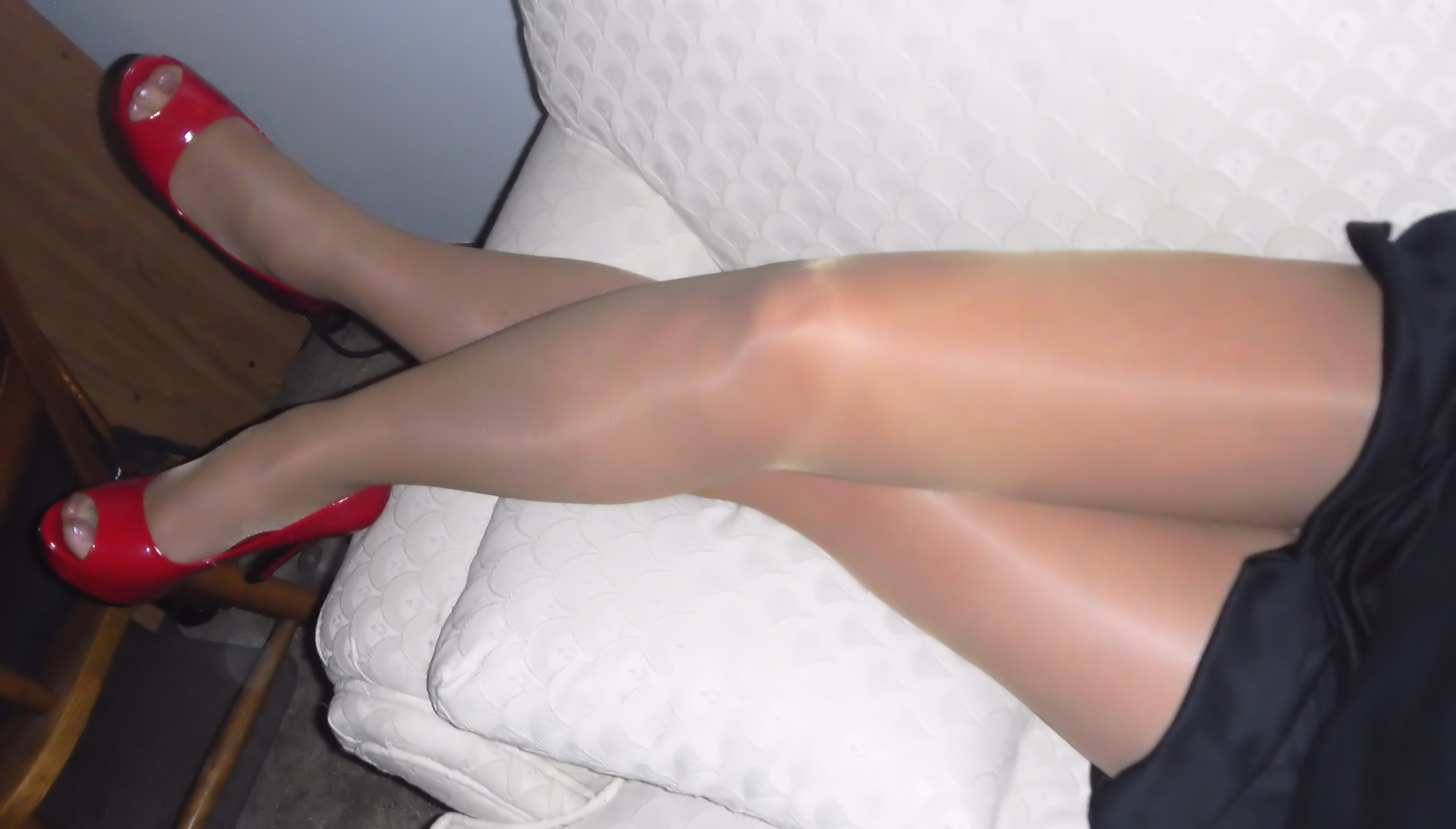 My pretty CFM legs and heels