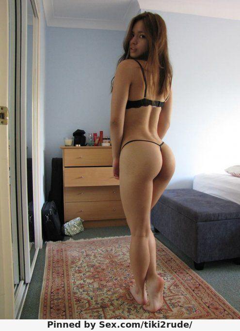 Latina thong booty tease