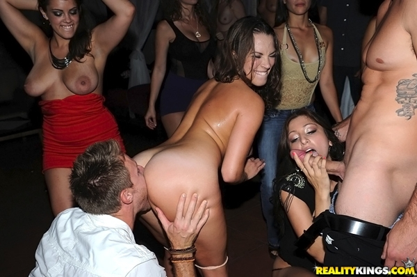 InTheVip presents Alexa Rydell in video: Party on