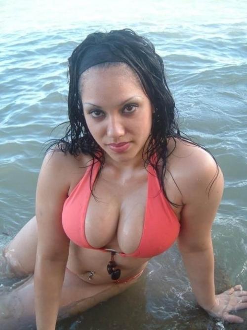 busty amateur girl at the beach