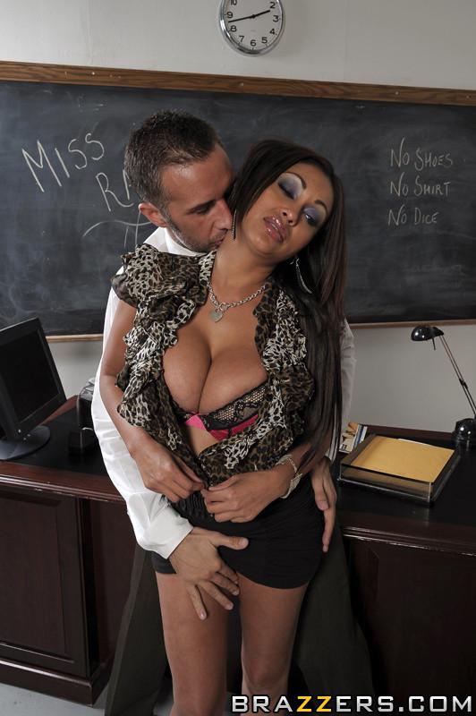 Bad Teacher Nice Tits!