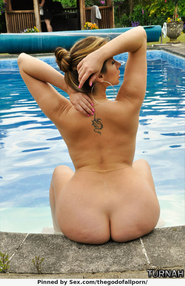 Paige Turnah Flaunts Her Fat Ass In the Swimming Pool