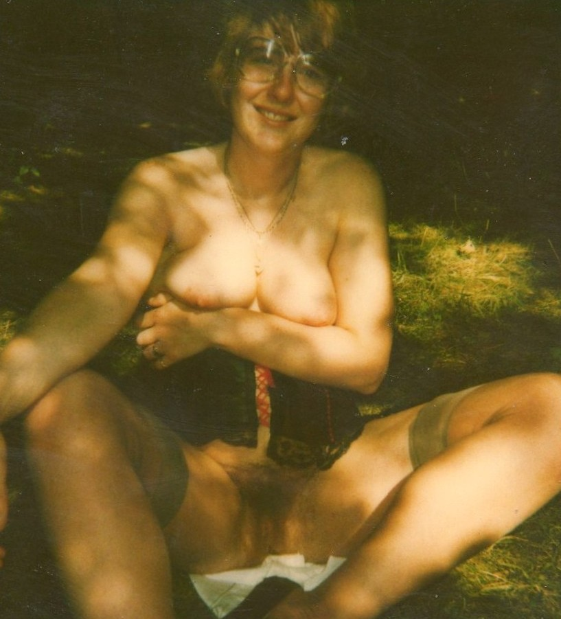 Suzanne nude outdoor