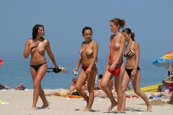 Nude and Beach - Nude Sexes On The Beach