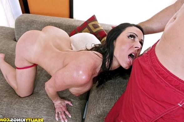 MilfHunter presents Kendra Lust in video: Lip assistance