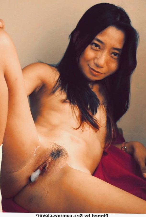 Creampie for this Japanese Amateur