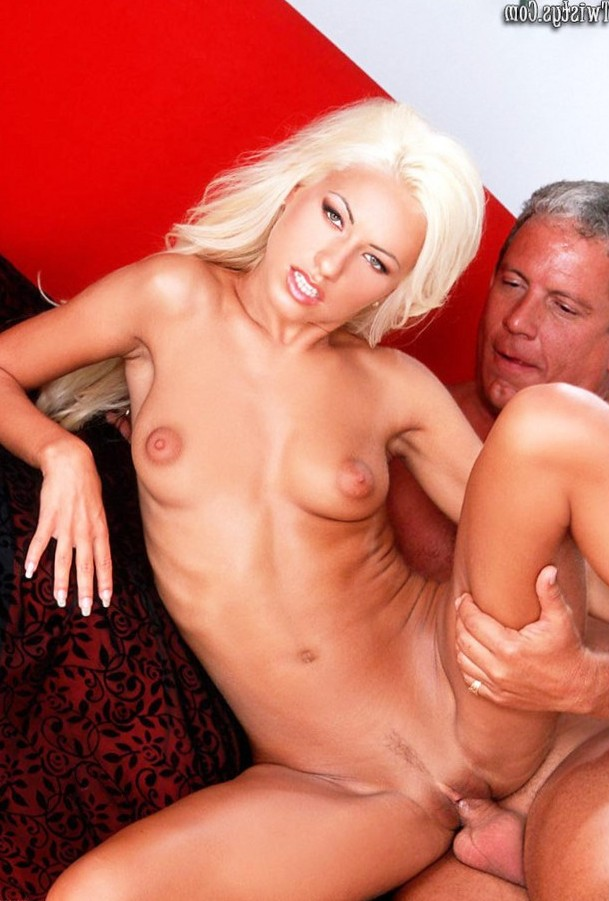Pantera gets nailed by her best friend's dad!
