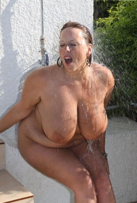 real-woman-are-rubenesque: Enormous tits.... - I am a lover of thick women!!