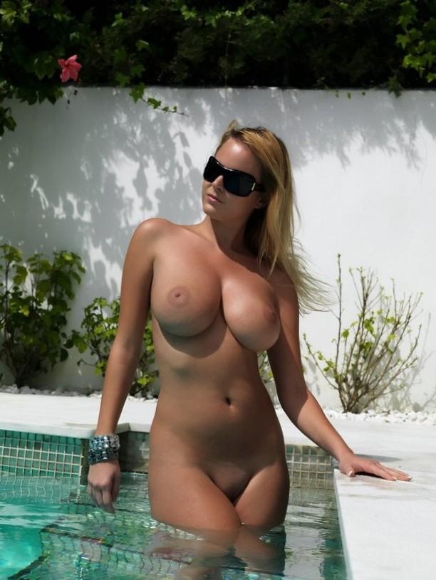 Gorgeous tits.