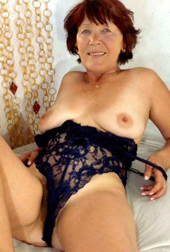Czech milf Jindriska nude
