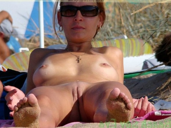 Cunts on Beach - Beach sexy girl flashing in public place, she loves to play and to show her tits outdoor!