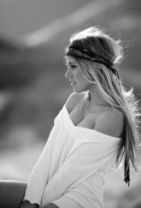 Attractive / Hippie