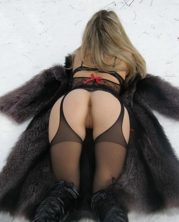 Boobs on Public - Topless Women Outdoors
