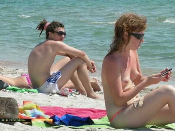 Pussy on Beach - Girls On The Beach Pics